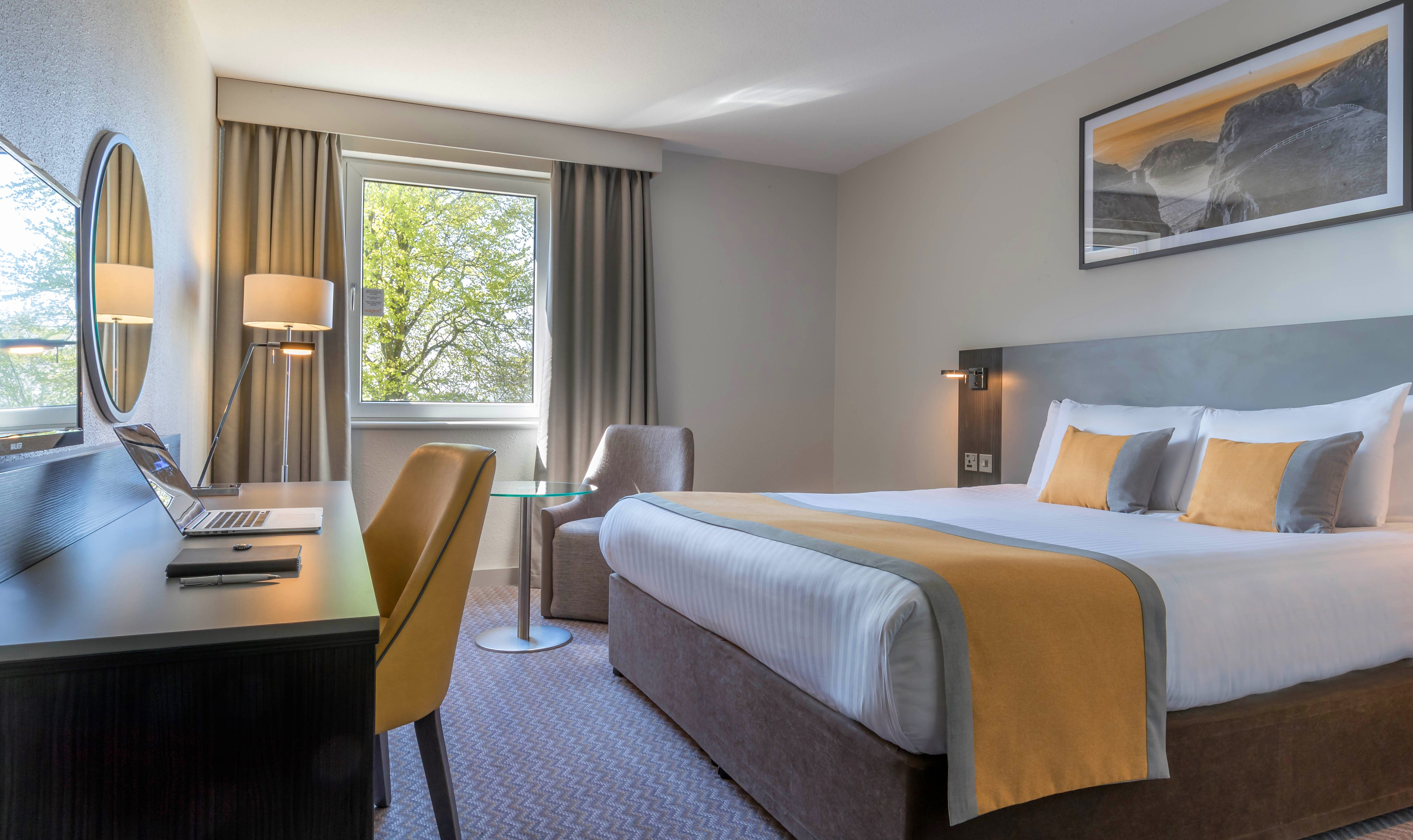 Double-Room-Maldron-Hotel-Belfast-International-Airport