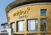 Exterior-Maldron-Hotel-Belfast-International-Airport-950x520_c_wg