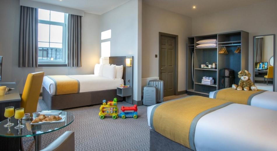 Family-Room-Maldron-Hotel-Cork