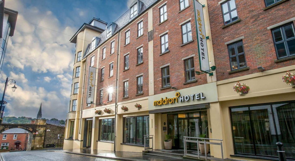 Maldron-Hotel-Derry-entrance
