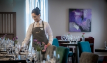 setting_table_in_the_Apron_Restaurant_at_Maldron_Hotel_Dublin_Airport