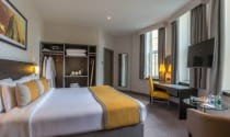 Maldron Hotel Cork Executive Room with kingsize bed