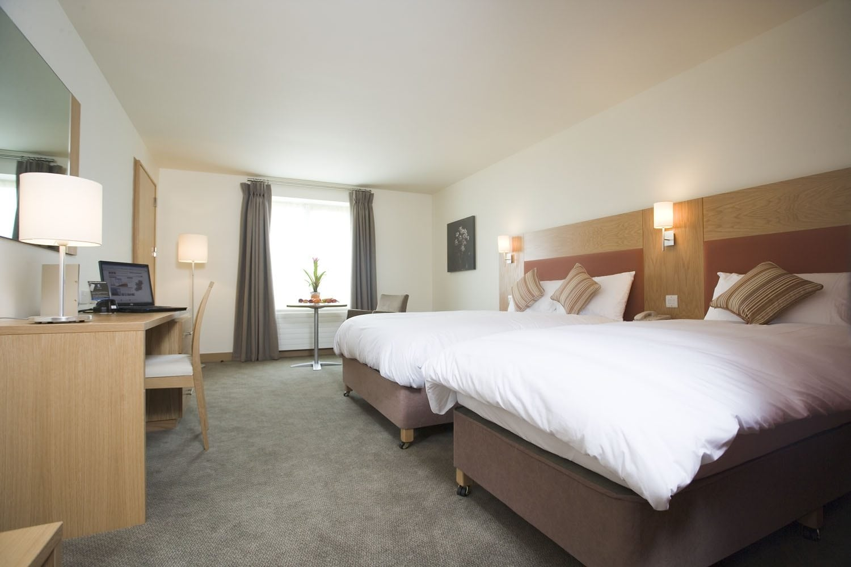 Maldron Hotel Portlaoise large bedroom