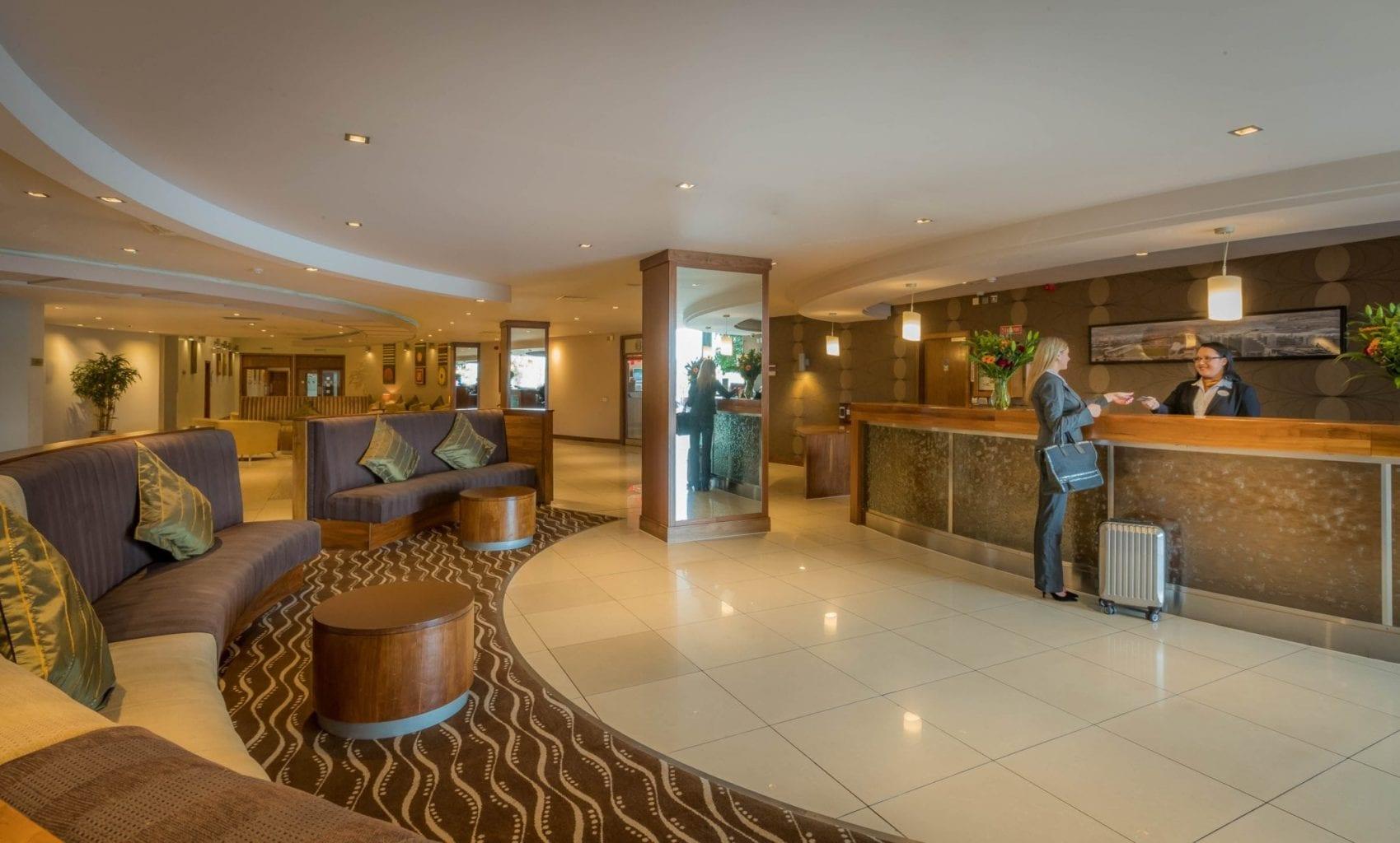 Maldron Hotel Tallaght lobby