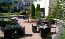 Maldron Hotel Wexford courtyard in summer