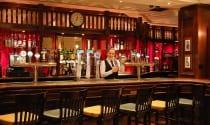 enjoy-a-pint-of-Guinness-in-the-Dubliner-Pub-at-Ballsbridge-Hotel