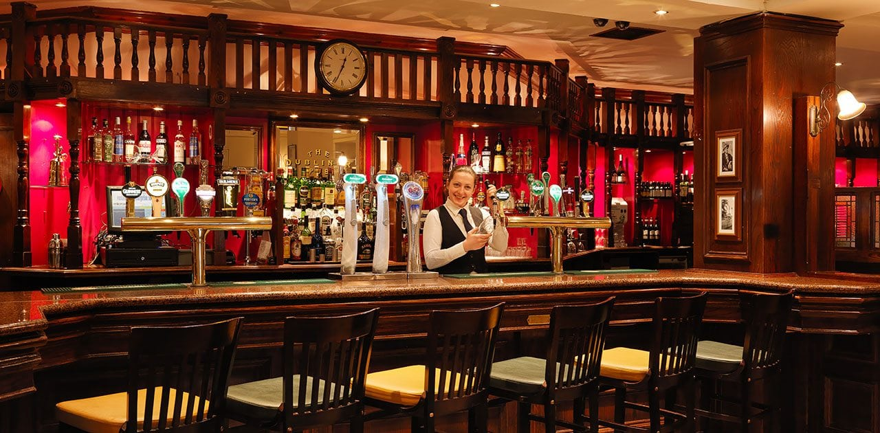 enjoy-a-pint-of-Guinness-in-the-Dubliner-Pub-at-Ballsbridge-Hotel