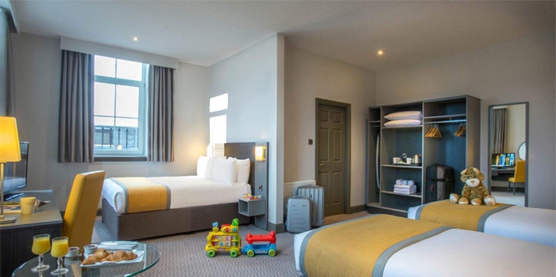 Maldron Hotel Cork Family Room